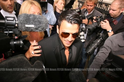 Peter Andre in photo mob